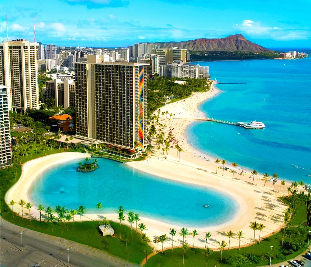 Waikiki Beach Hilton hotel and diamond head